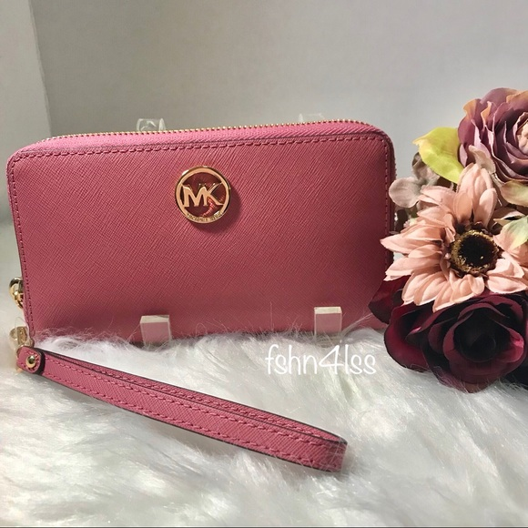 66747c646ccc Michael Kors Bags | Saffiano Leather Fulton Large Wallet | Poshmark
